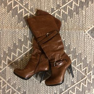 Cathy Jean leather heeled boots with buckle
